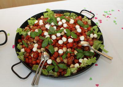 Baerenalm_Baerenhunger_Tomate_Mozzarella_Vorspeise_Essen